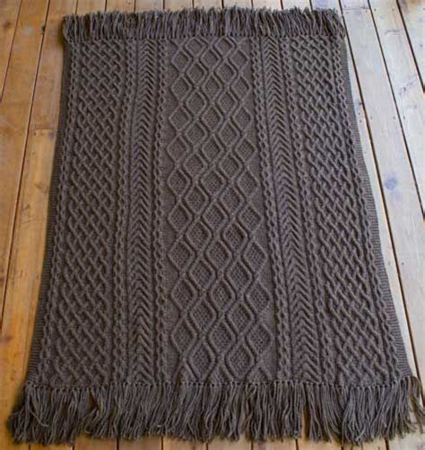 throw rug patterns mystery afghan fireside aran afghan pattern by janet szabo warm rug patterns and libraries