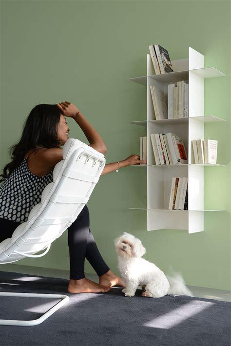 salotto con libreria 5 librerie rendono unico l arredamento della tua casa