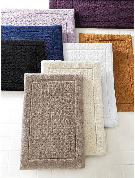Bath Rugs And Towels Matching With Awesome Creativity Bathroom Rugs And Towels