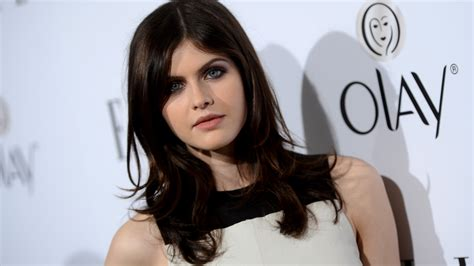 wallpaper alexandra daddario  photo celebrities