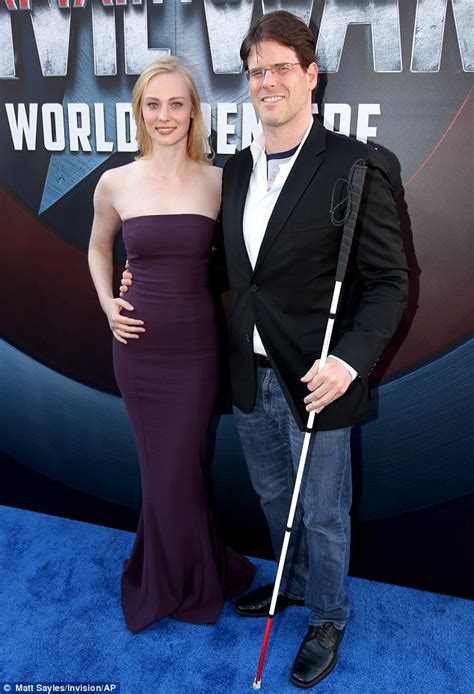 Dress Doby Woll robert downey jr and susan thrilled at captain