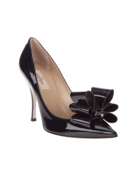 valentino bow shoes valentino bow detail shoe in black lyst