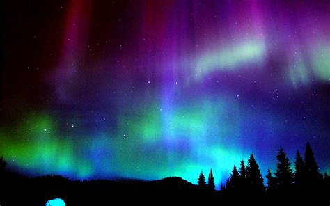 what color are the northern lights aurora borealis the wonderful light in the north pole s