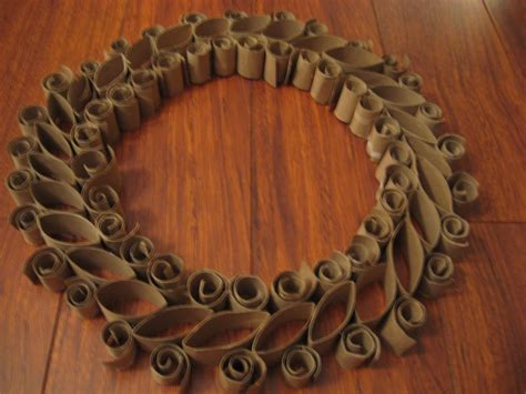 toilet paper roll wreath craft my naptime crafts toilet paper roll wreath