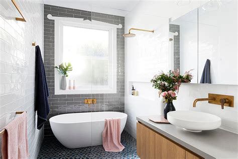 Grey Bathroom Accent Color by Trendy Bathrooms That Combine Gray And Color In
