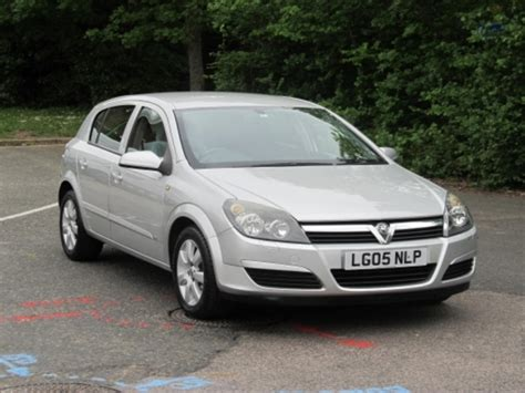 vauxhall astra 2005 2005 vauxhall astra photos informations articles