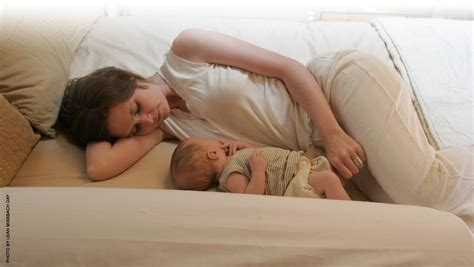 safe bed sharing on bed sharing breastfeeding and sudden infant death