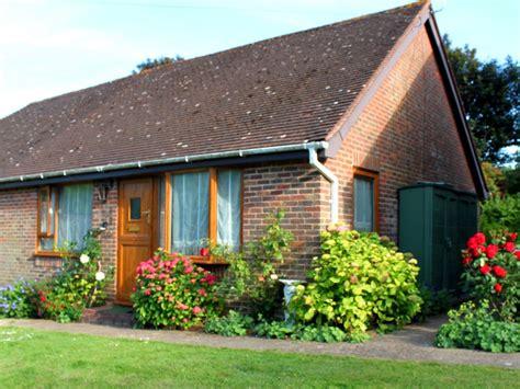 Eastbourne Cottages by 2 Bedroom Cottage Pet Friendly In Eastbourne 8062509