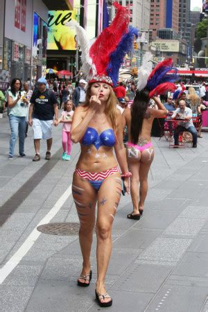 flood  desnudas topless women  times square