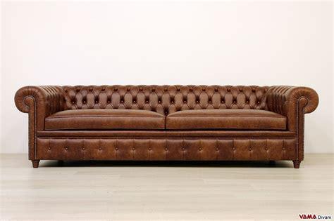 divano chesterfield profondo di grandi dimensioni in pelle