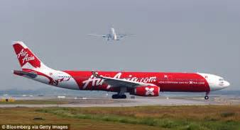 airasia uk airasia flight from perth to malaysia almost lost engine