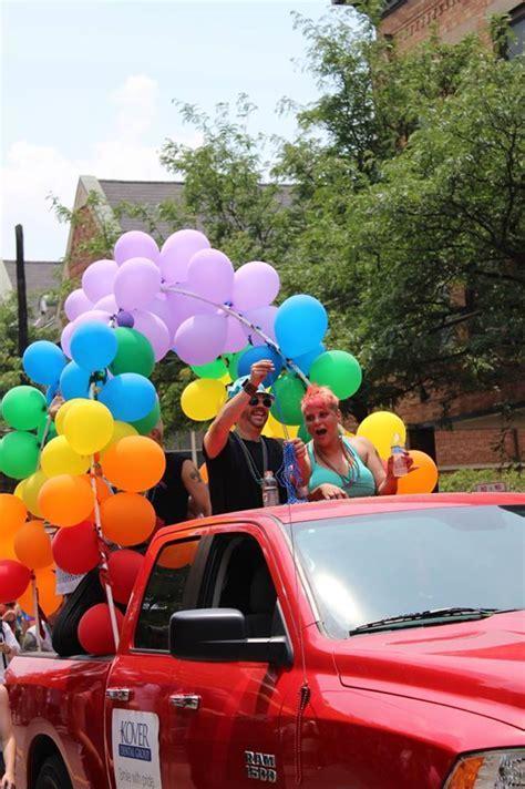 Decorating A Car For Parade   Decoratingspecial.com