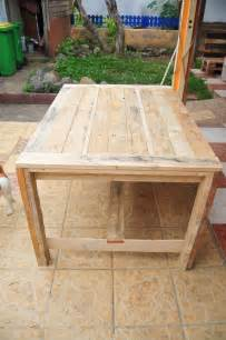 white farmhouse table wooden pallets diy projects