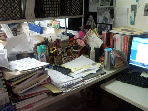 Cluttered Desk Cluttered Mind by New Year S Pitch Cleansing Knowing When To Fold Em When