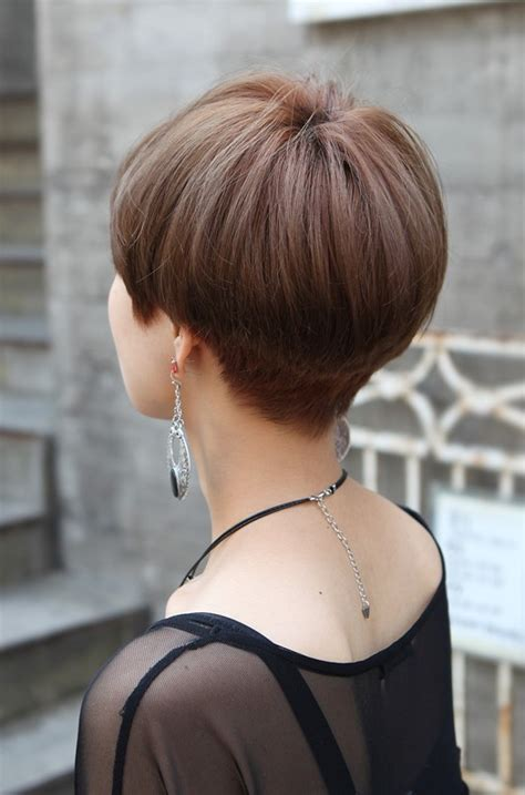 bob hairstyle cut wedged in back short wedge haircuts for women back view