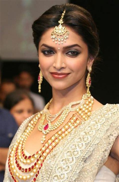 bridal make up trends for 2014 by ambika pillai youtube deepika padukone bridal makeup farah khan show