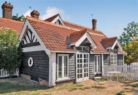 Cottage Essex by Cool Cottages On The Essex Coast In Pictures