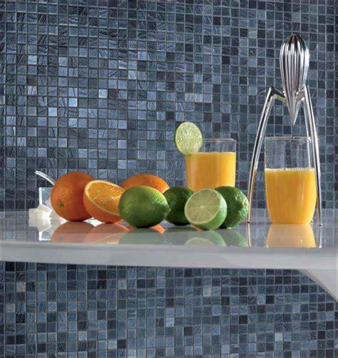 glasfliesen ideen für kleine badezimmer blau graues zimmer
