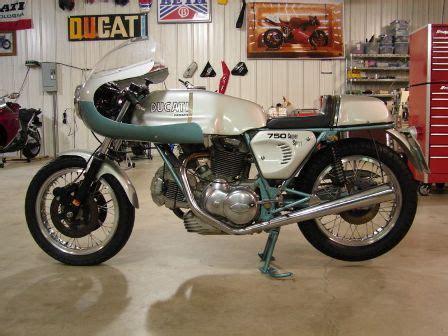 classic italian motorcycles ducati