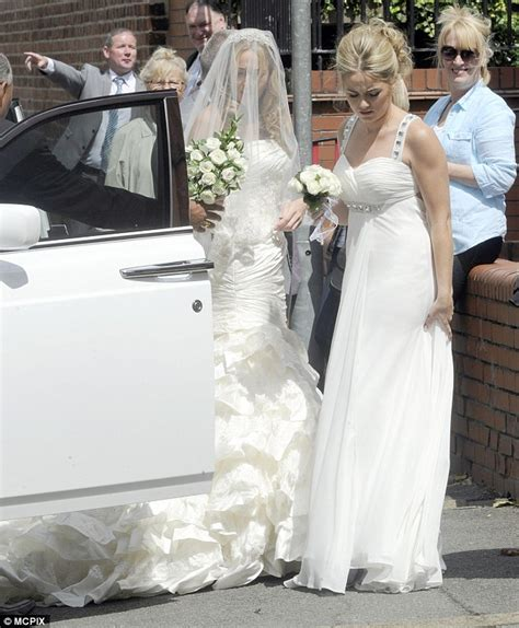 Coleen Mcloughlins 15 Million Wedding Deal by Coleen Rooney Looks Lovely In Lace At Family Wedding