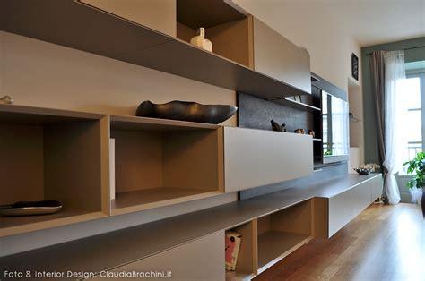 libreria modulnova soggiorno con boiserie e veletta in cartongesso