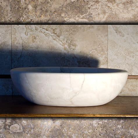lavabo in travertino per bagno lavandino ovale da appoggio in travertino chiaro