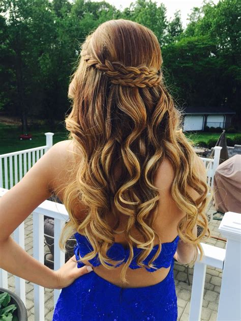 hairstyles curly for prom simply adorable prom hairstyles 2017 hairdrome com