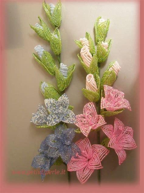fiori perline pi 249 di 25 fantastiche idee su fiori di perline su