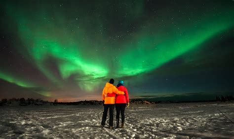 see the northern lights in midnight the northern lights in canada travellers
