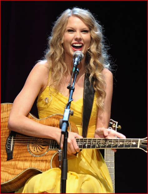 all of taylor swift s country songs taylor swift rocks out at all for the hall l a benefit
