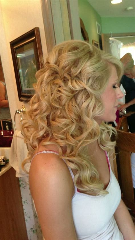 bridesmaid hairstyles useing a curling wand bridesmaid hairstyles useing a curling wand wand curls