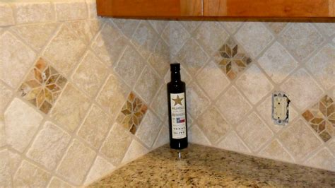 traditional backsplash ideas for kitchen counter cabinet