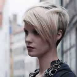 coupe de cheveux court asym 233 trique