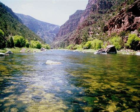 green river a section utah s green river has crystal clear water and amazing