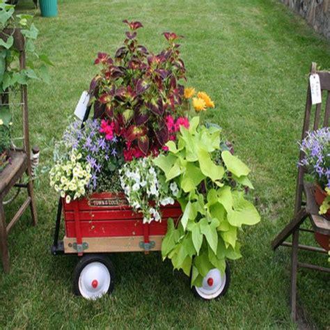 Handmade Yard - 15 small handmade yard decorations for creative garden design