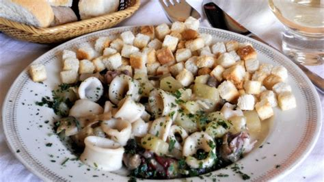 cucinare patate totani in umido con funghi e patate cucinare it