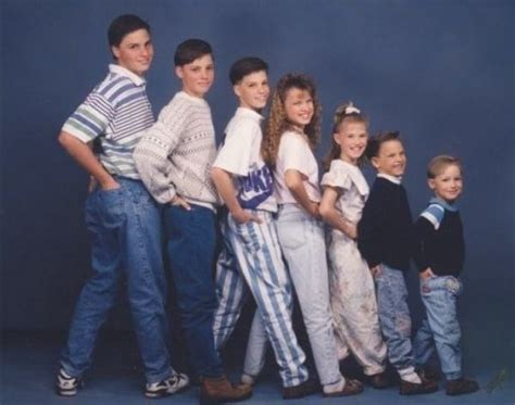 Strange Family Photo by 58 Awkward Family Photos That Make Us Happy We Re Adults Now
