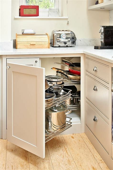 How To Organize The Kitchen Cabinets by Armarios Esquineros Y Soluciones De Almacenaje Originales