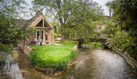 cottage cotswolds cotswolds island cottage for couples cirencester