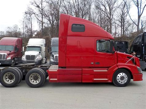 volvo sleeper 2008 volvo vnl64t670 sleeper truck for sale 717 173 miles