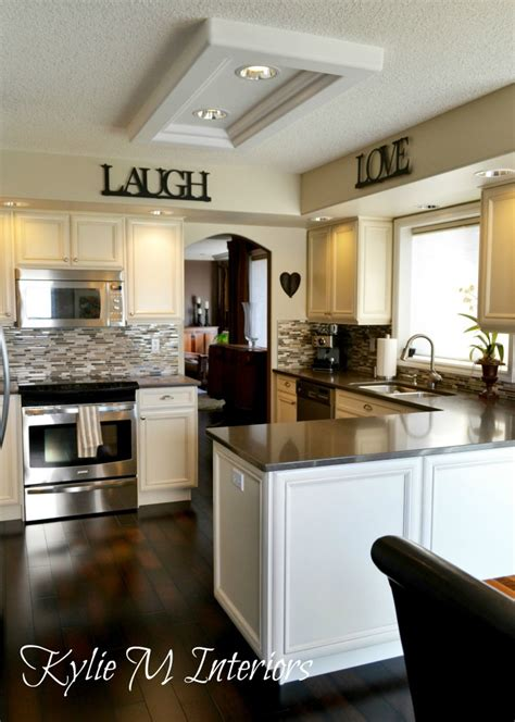 cream kitchen cabinets what colour walls benjamin moore best neutral and beige light colour is