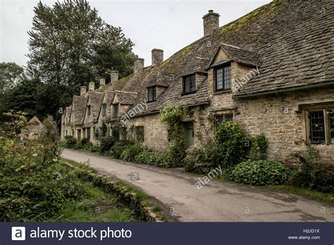 bibury cottages traditional cottages at arlington row in bibury