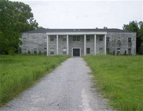 the spooky history of the minnetex mansion kids on twitter