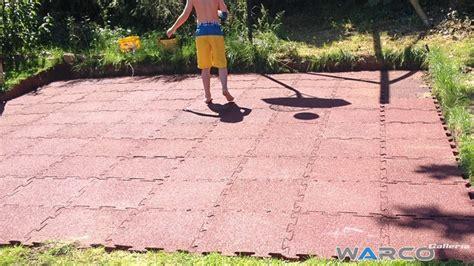 pavimento in gomma per bambini pavimenti per esterni in gomma parco giochi