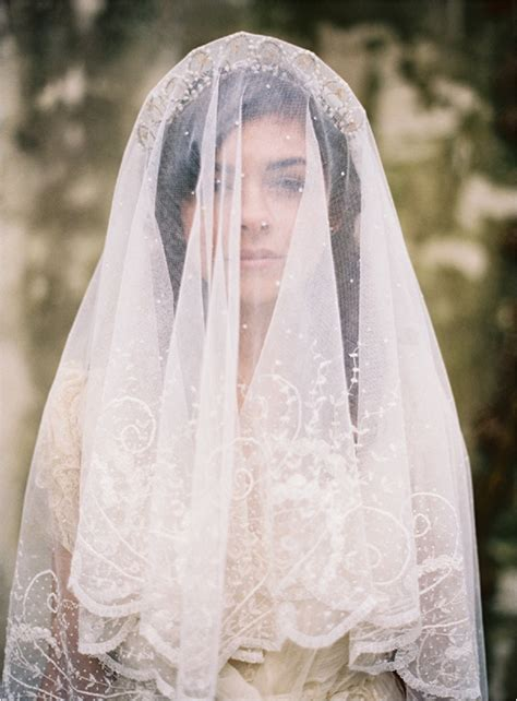 Garden Elopement by Unveiling The Veil Ultimate Guide To Bridal Veils