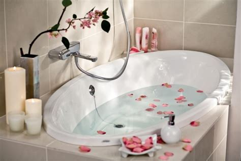 Romantische Badewanne by 24 Ideen F 252 R Rosenbad Und Romantische Atmosph 228 Re Zum