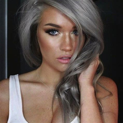 tendencia de cabello gris y diferentes looks tendencia pelo gris fotos de los looks 21 41 ellahoy