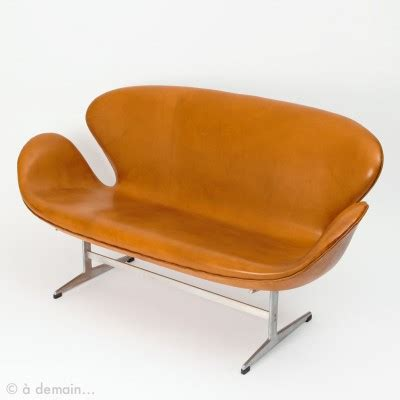 swan couch swan sofa by arne jacobsen for fritz hansen 15661