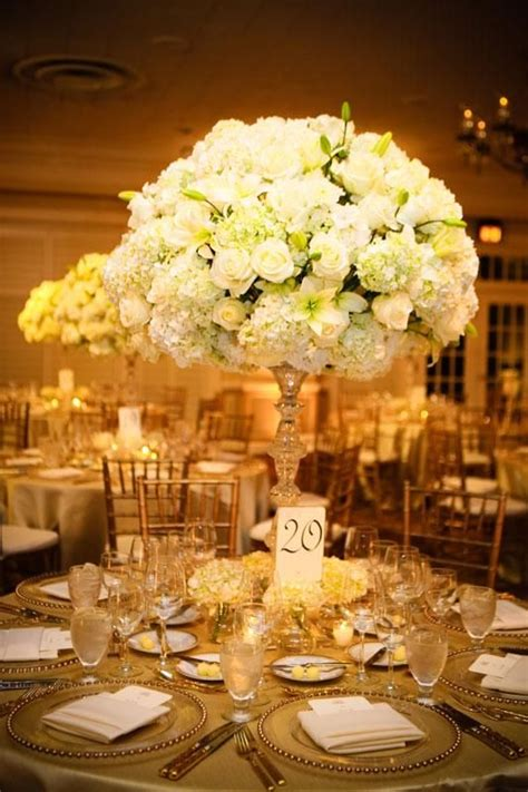 white roses centerpieces for weddings 579 best images about white ivory wedding