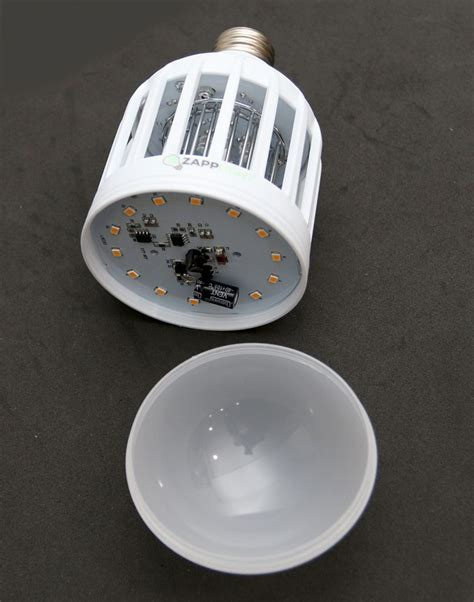 Led Bug Light Bulbs Zapplight Indoor Bug Zapper Light Bulb Review The Gadgeteer